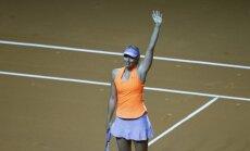 Šarapova pēc 15 mēnešu diskvalifikācijas tenisā atgriežas ar uzvaru