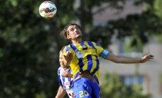 Pieredzējušais Karlsons atgriežas Latvijas futbola izlasē; izsaukti arī Ošs un Lazdiņš