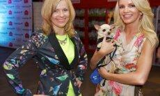 В Риге прошел необычный показ мод: дамы с собачками