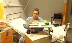 Austris Augusts pēc transplantācijas sper pirmos soļus