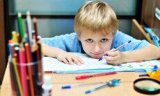 Savākti 10 000 paraksti pret sešgadnieku sūtīšanu skolā; iniciatīvu iesniegs Saeimā