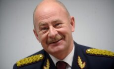 Ātrumu pārsniegušais Rīgas reģiona policijas šefs plāno iet pensijā, vēsta 'Nekā personīga'