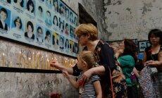 Par uzrakstu 'Putins – Beslanas bende' soda nogalināto bērnu mātes