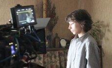 Foto: Finiša taisnei tuvojas Renāra Vimbas filmas 'Es esmu šeit' uzņemšana
