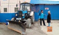 Aneksijas sajūsmināti Urālu iedzīvotāji ar traktoru dosies sauļoties uz Krimu