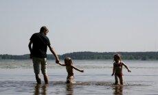 Ūdens temperatūra upēs un ezeros tuvojas +20 grādiem