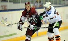 Rīgas 'Dinamo' hokejisti uzvar Slovākijā