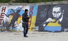 Krievija ceļ jaunu 'Berlīnes mūri', paziņo eksministrs
