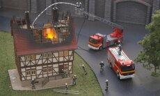 Паровозы, пожар и даже Maxima. В Риге — чудесная выставка местных миниатюр!