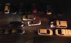 Video: Divu autovadītāju ķīviņš Pļavniekos un policija kā novērotājs