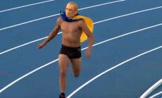 Публика неистовствовала: Путин пробежался по дорожке украинского стадиона (ВИДЕО)