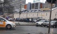 Video: Rīgas restorānam 'Stargorod' aizdedzies jumts; ugunsgrēks likvidēts