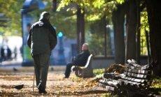 """Исследование: к 2030 году Латвии грозит превращение в """"землю стариков"""""""