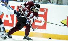 Māris Jass devies uz KHL kluba 'Lada' treniņnometni