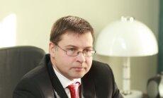 Dombrovskis apmeklēs aviācijas uzņēmumus