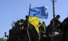 Divpadsmit Ukrainas karavīri nolikuši ieročus un šķērsojuši Krievijas robežu