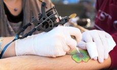 Risks inficēties ar C hepatītu tetovēšanas salonos ir augstāks, nekā to rāda statistika, atzīst infektoloģe