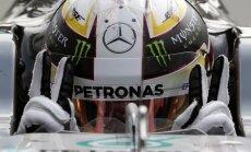 Hamiltons uzvar Itālijas 'Grand Prix' kvalifikācijā