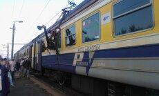 Vilcienu satiksmes plūsmu palēnām atjauno; vēl īslaicīgi kavējumi