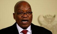 DĀR prezidents Zuma atkāpjas no amata