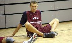 Porziņģim – 2,16 metri. Cik gari ir citi latviešu basketbolisti?