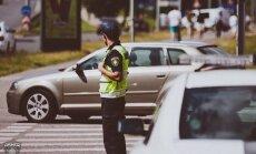 Ceļu satiksmes negadījumos apgāžas vairāki spēkrati
