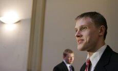 Saeimas komisija atliek lēmumu par Dombravas izdošanu sodīšanai