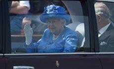 Londonas policijā sūdzas par karalienes Elizabetes II nepiesprādzēšanos mašīnā