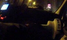 Video: Piedzēries pusaudzis Bolderājā ar BMW bēg no policijas
