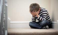 Īpašā akcijā aicina zvanīt un ziņot par neiecietību skolu vidē