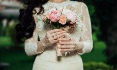 Šī gada kāzu tendences – papīra ziedu sienas un atteikšanās no tradicionālajām pastaigām