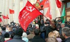 Separātisti pasludina 'Harkovas tautas republiku'; pēc padzīšanas 'aizsvilina' administrācijas ēku