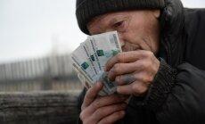 Krievija no recesijas virzās uz stagnāciju; perspektīva ir drūma, uzskata bijušais Kremļa padomnieks