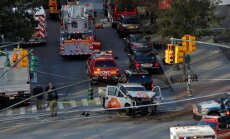 Automašīnas šoferis Ņujorkā ietriecas gājējos; vismaz astoņi bojāgājušie