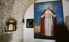 Zagļi izmetuši nozagtās Jāņa Pāvila II asinis