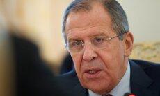 Lavrovs noliedz, ka Tramps ar viņu būtu runājis par Komija atlaišanu