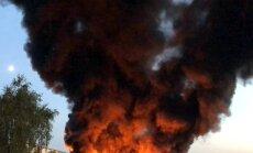 Naktī uz trešdienu Āgenskalnā izcēlies paaugstinātas bīstamības ugunsgrēks