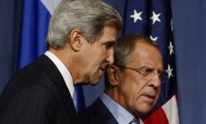 Kerijs un Lavrovs apsprieduši krīzes Tuvajos Austrumos un Ukrainā