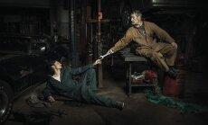 Foto: Automehāniķi iejūtas populāru gleznu varoņu lomās