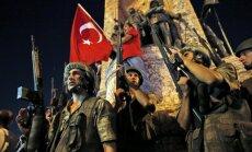 ФОТО: Танки и люди на улицах. Как Турция пережила ночь военного переворота