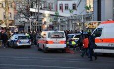 Automašīna Vācijā iebrauc gājēju ielā; viens bojā gājušais
