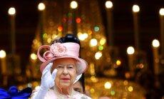 Elizabete II joko, ka pēc pēdējā laika notikumiem vēl ir dzīva