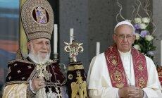 Pāvesta komentāri par genocīdu liecina par 'krustneša mentalitāti', paziņo Turcija