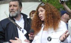 Maskavas centrā ar fekālijām apmētāta 'Novaja gazeta' žurnāliste