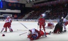 Video: CSKA un 'Jokerit' duelī izceļas iespaidīgs kautiņš