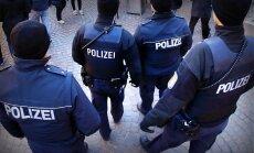 Vācijā kautiņā starp nacionālistiem un imigrantiem ievainoti seši cilvēki