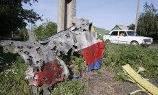 Pie MH17 katastrofas vietas redzēts 'Buk' ar krievu ekipāžu, raksta BBC
