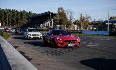 Foto: 'Mercedes-Benz' automobiļu iepazīšanas tūre piestāj Biķernieku trasē
