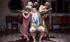 Valmierā varēs noskatīties Dailes teātra izrādi 'Klusā daba ar resno puisēnu'