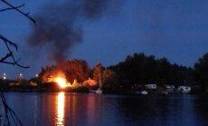 Līgotājiem Zaķusalā ugunskurs pārvēršas par ugunsgrēku